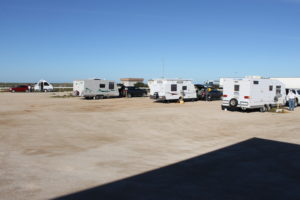 australia_caravanning_nullarbor_roadhouse