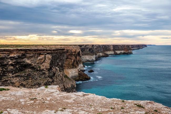 Cliffs-near-Head-of-Bight-Nullarbor