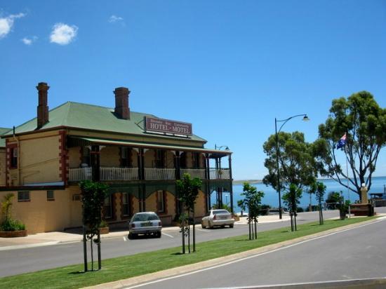 streaky-bay-hotel