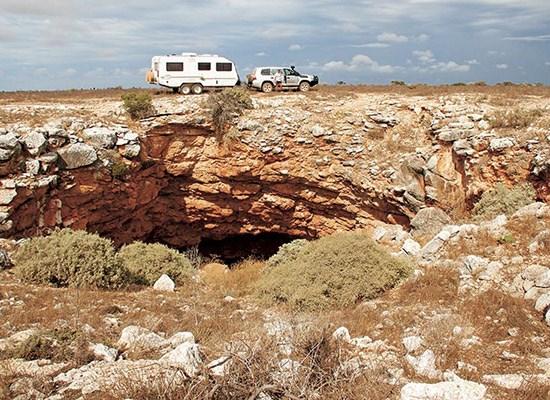 Car or caravan in Old Eyre Highway